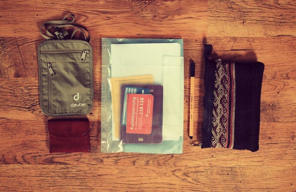 packliste_gepäck_liste_tipps_peru_backpack_erfahrungen_test_reis_südamerika_rucksack_packen_rundreise_dokumente_pass_unterlagen