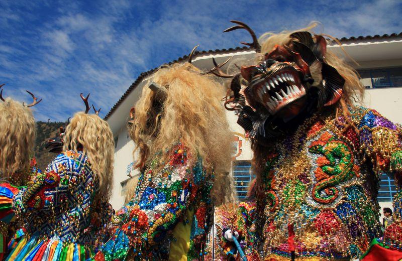 paucartambo_masken_karneval_virgen_de_la_carmen_peru_südamerika_kultur_feste_prozessionen_tänze_feiertage_rundreise_touren