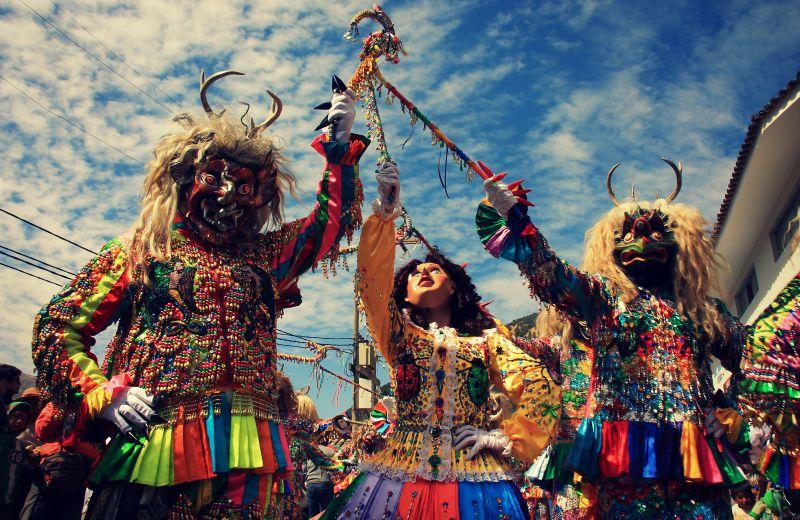 paucartambo_masken_karneval_virgen_de_la_carmen_peru_südamerika_kultur_feste_prozessionen_tänze_feiertage_rundreise_touren_2