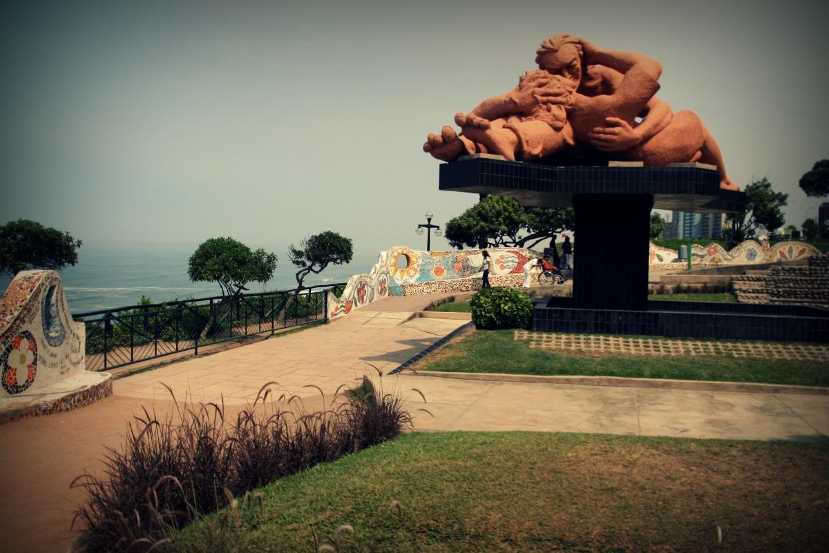 Im Parque del Amor in Miraflores, Lima