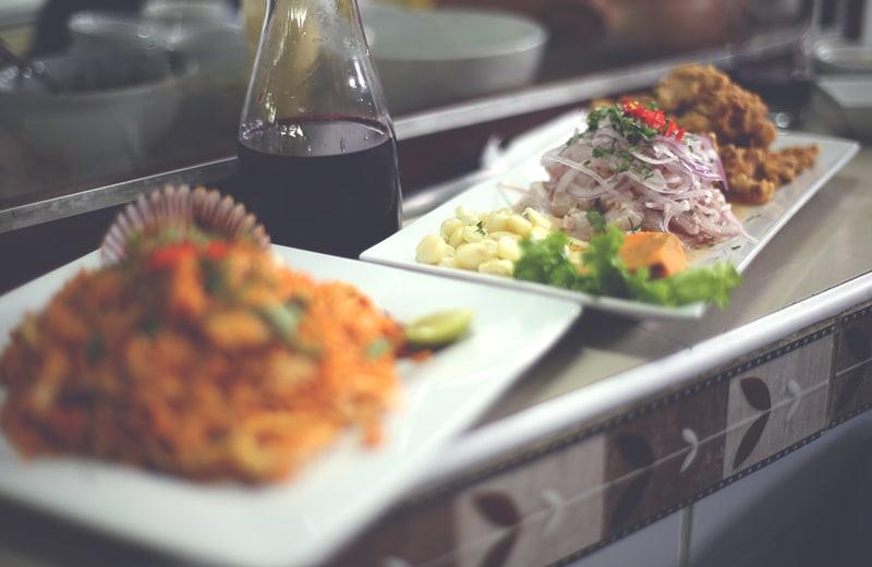 ceviche_fisch_gericht_peruanische_küche_nationalgericht_speisen_cebiche_markt_chicha_peru_lima