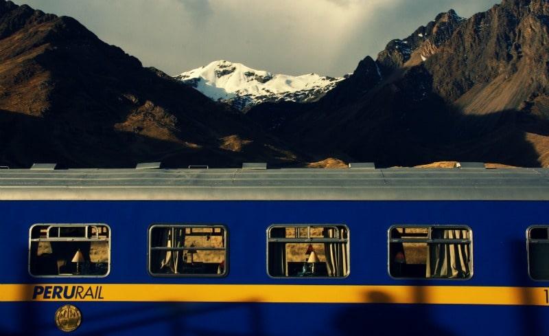 cusco_peru_puno_zug_peru_rail