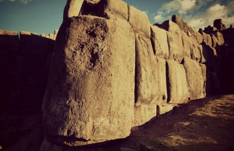 inka_steine_cusco_tempel_saqsayhuaman_mauer