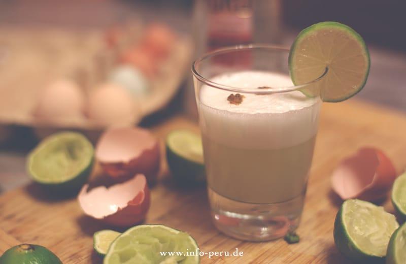 wie_macht_man_pisco_sour_aus_peru_südamerika_cocktails_trinken_drinks_limetten_zutaten_rezept