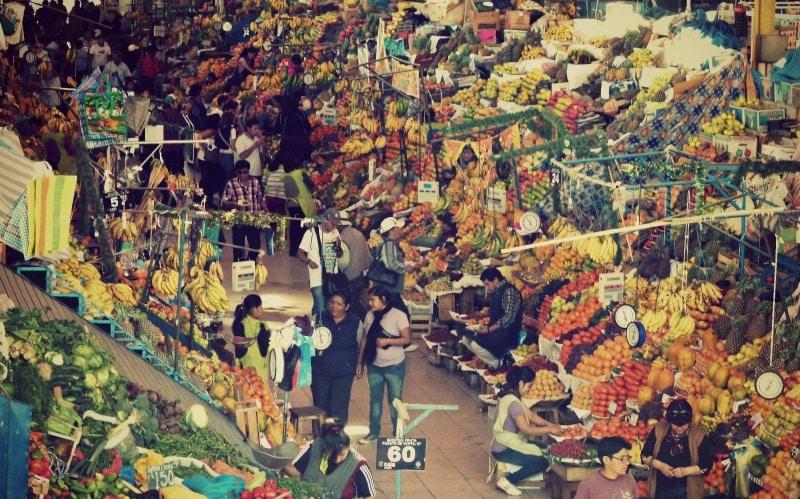 markt_san_camilo_in_arequipa_vulkanstadt_einkaufen_obst_gemüse_peru_tour_rundreise