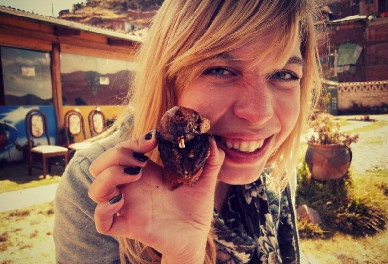 meerschwein_essen_in_peru_cuy_al_orno_kulinarik_kultur_gastronmie_reisen_rundreise_speisen_cusco_tipon