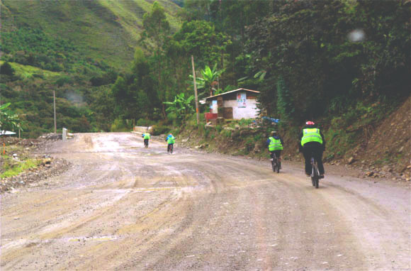 mountain_biking_inca_jungle_trail_inka_trail_fahrrad_tour_trekking_wanderung_anden_cusco_machu_picchu_downhill_berge