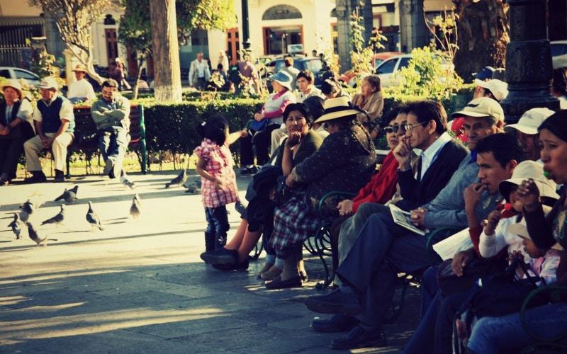 plaza_de_armas_arequipa_vulkan_stein_stadt_rundreise_peru_küste