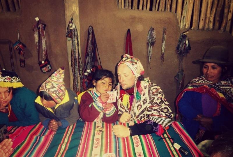 sozialprojekt_kommunaler_tourismus_andenhochland_peru_quechua_indianer_textilien_schafswolle_essen