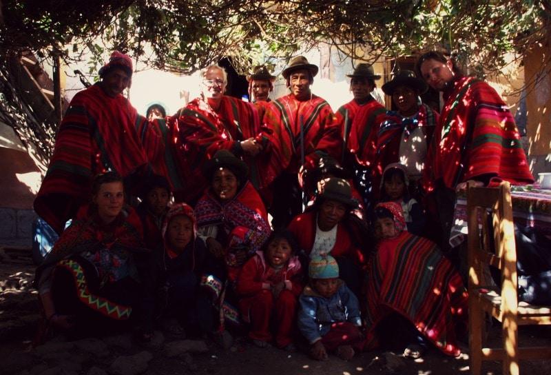 sozialprojekt_kommunaler_tourismus_andenhochland_peru_quechua_indianer_textilien_schafswolle_gruppe