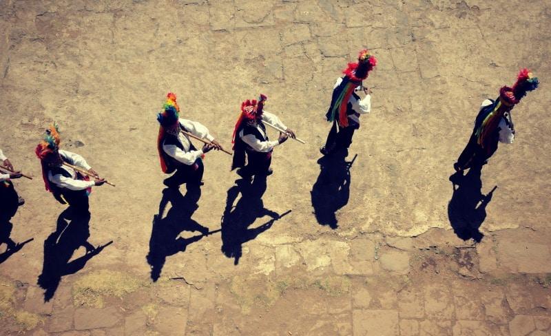titicaca_see_titikaka_peru_bolivien_insel_taquile_amantani_tour_fest_rundreise_reise_inka_anden_uros_schwimmende_schilf_insel