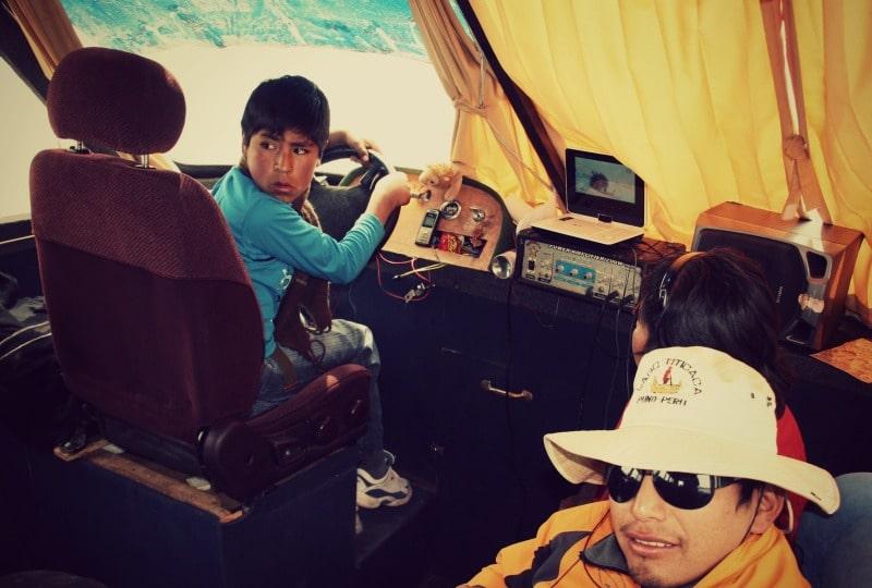 titicaca_see_titikaka_peru_bolivien_insel_taquile_amantani_tour_fest_rundreise_reise_inka_anden_uros_schwimmende_schilf_insel_kapitän