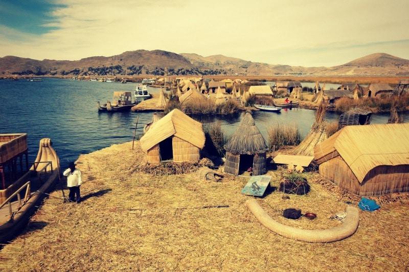titicaca_see_titikaka_peru_bolivien_insel_taquile_amantani_tour_fest_rundreise_reise_inka_anden_uros_schwimmende_schilf_insel_museum