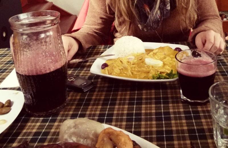 chicha_morada_aji_de_gallina_einheimische_restaurants_peru_menu_gerichte