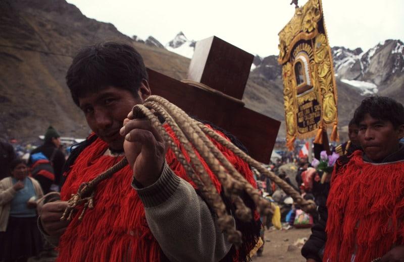 qoyllur_riti_vilcanota_peru_cusco_tinki_ausangate_schneesternfest_festival_glaube_religion_spiritualität_anden_völker_inka_kommunen_tänzer