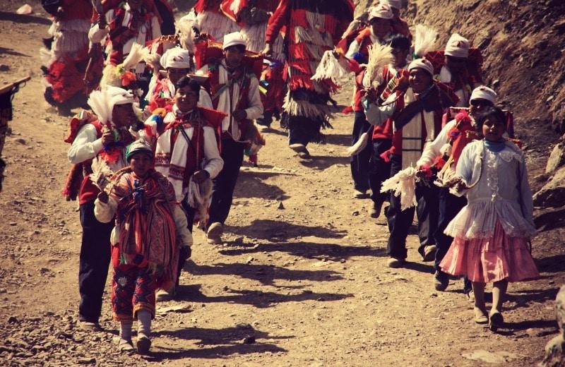qoyllur_riti_vilcanota_peru_cusco_tinki_ausangate_schneesternfest_festival_glaube_religion_spiritualität_anden_völker_inka_kommunen_tradition