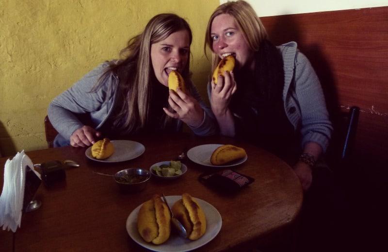 saltenas_empanadas_peru_bolivien_essen_straßen_food_leckeres_essen_in_peru_restaurants