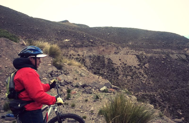 colca_canyon_peru_mountainbike_tour_chivay_rundreise_reisen_anden_tour_biking_fahrrad