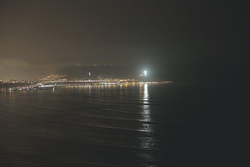 Lima_küste_abend_lichter_peru_meer