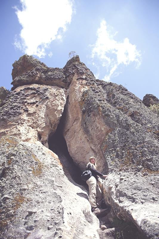 cumbemayo_felsen_cajamarca_natur_geschichte_kultur_norden_peru_formation_reisen_tour_höhle_200