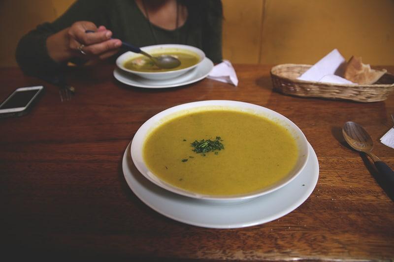 suppe_vegetarisch_vegan_restaurant_cusco_peru_encuentro_essen_reisen_mittag_menu