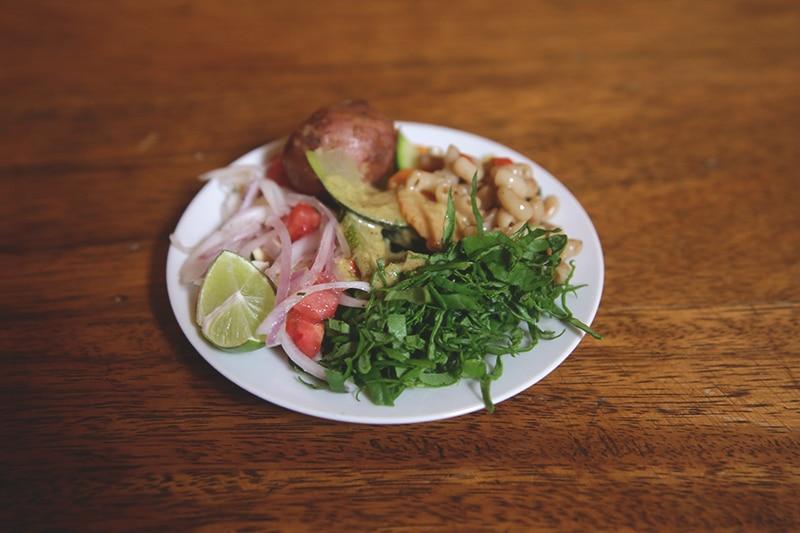vegetarisches_Restaurant_cusco_peru_encuentro_salat_vegan_gesund_essen_reisen