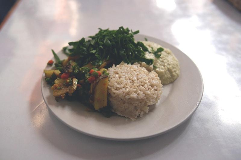vegetarisches_essen_peru_cusco_restaurant_markt_san_blas_gesund_essen_auf_reisen