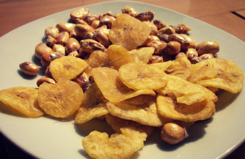 cancha_bananen_chips_peru_mais_vorspeise_ceviche_peruanisch_essen