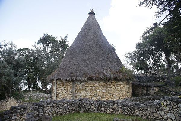 kuelap_kultur_chachapoya_ruinen_anden_amazonas_inka_archäologische_stätte