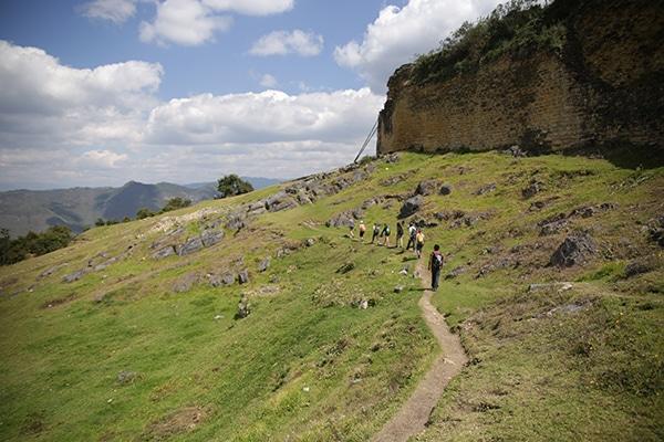 kuelap_kultur_chachapoya_ruinen_anden_amazonas_inka_archäologische_stätte_festung