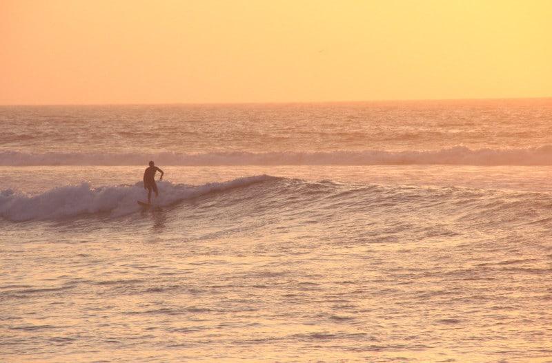 surfen_peru_lima_strände_baden_aktiv_urlaub_sommer_südamerika_wellenreiten_touren