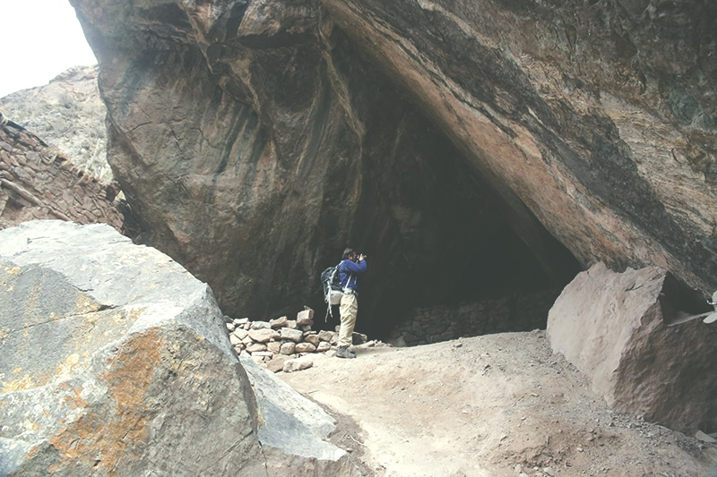Ñaupa_iglesia_archäologische_stätte_pachar_heiliges_tal_der_inka_cusco_peru_ausflug_fotografieren_höhle