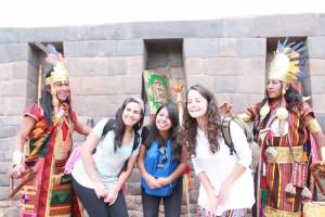 free_walking_city_tour_cusco_peru_stadtbesichtigung_kostenlos_touren_rundreise_peru_reisen_anden_inka