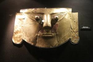 archäologisches_museum_lima_reise_peru_kultur_geschichte_von_peru_inka_spanische_eroberung_ archäologie_südamerika_maske_gold