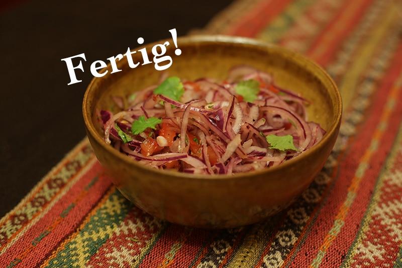 salsa_criolla_aus_peru_peruanisch_kochen_ziebelsalat_südamerika_lecker_essen_schüssel