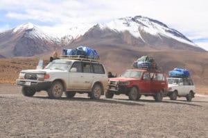 jeeps_salar_de_uyuni_bolivien_salzwu%cc%88ste_jeep_tour_altiplano_chile_san_pedro_de_atacama