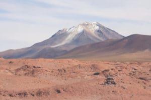 vulkan_salar_de_uyuni_bolivien_salzwu%cc%88ste_jeep_tour_altiplano_chile_san_pedro_de_atacama