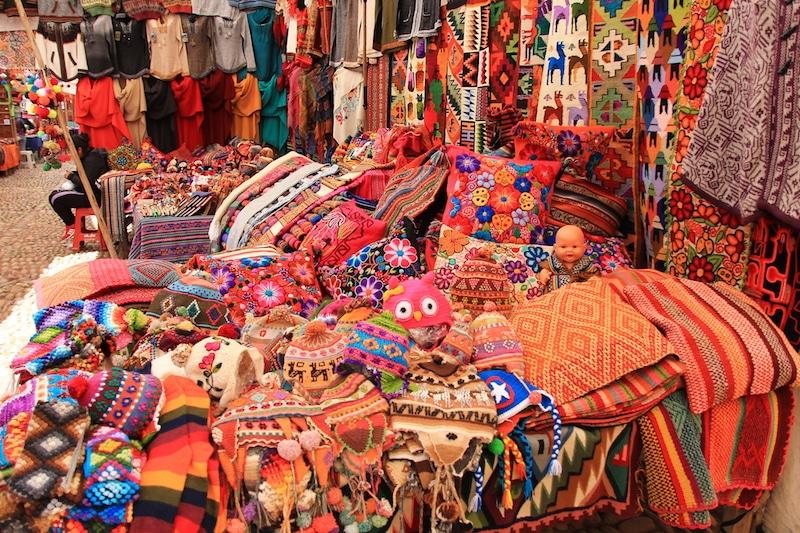 Der wohl schönste und größte Kunsthandwerksmarkt in Peru!