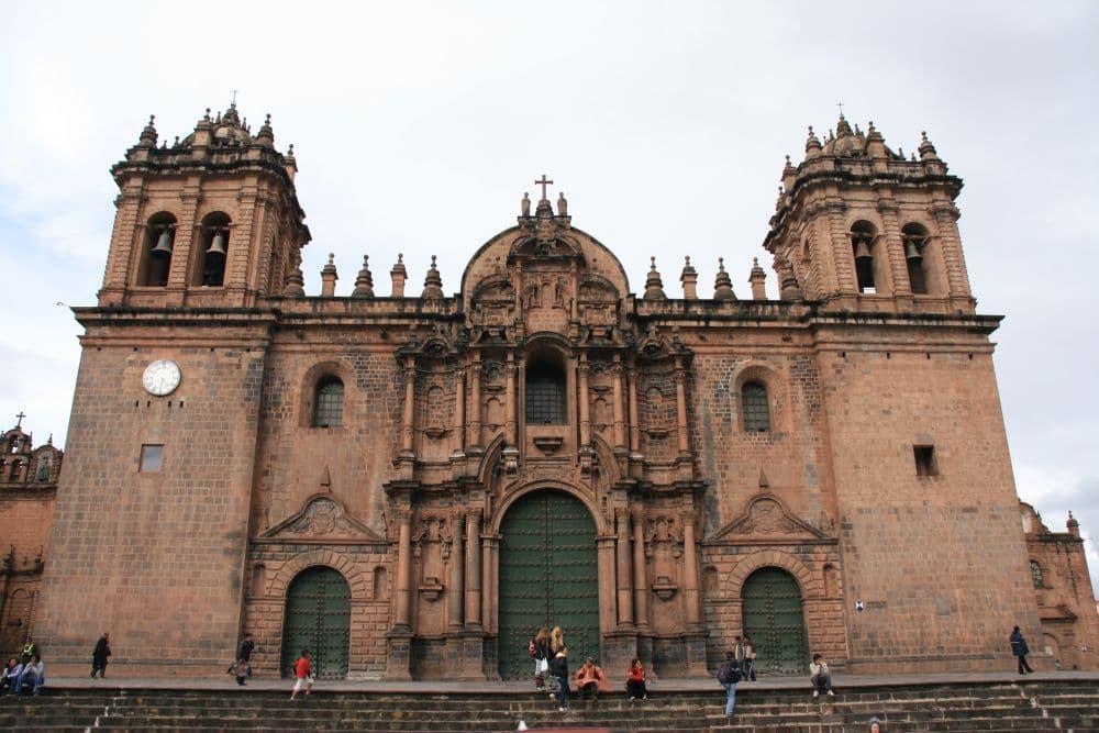 Die Kathedrale am Hauptplatz von Cusco